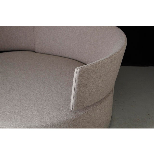 B&B Italia Amoenus - Circular Swivel Sofa by Antonio Citterio for B & B Italia, New Upholstery For Sale - Image 4 of 13