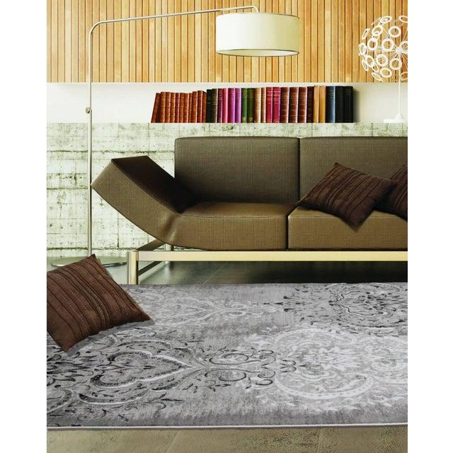 Damask Gray & White Rug 5'3''x 7'7'' - Image 7 of 7