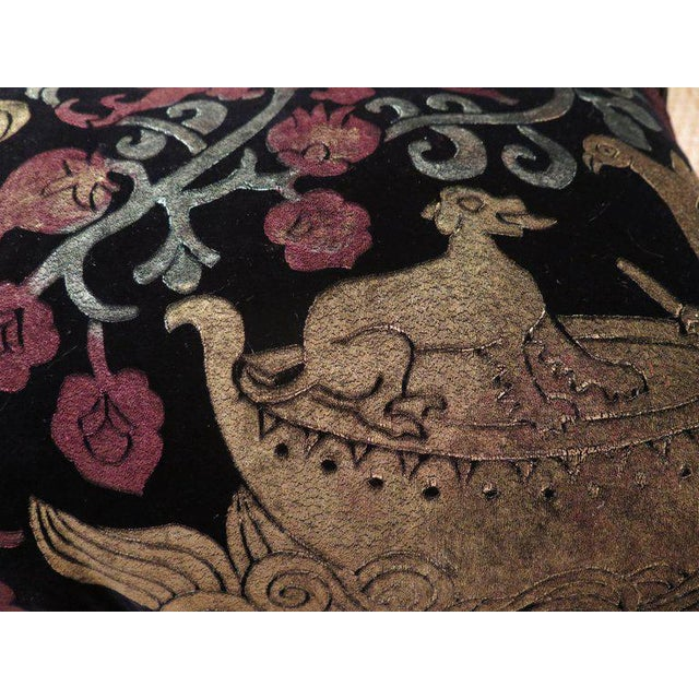 Hollywood Regency Venetian Hand Dyed Silk Velvet Pillow For Sale - Image 3 of 6