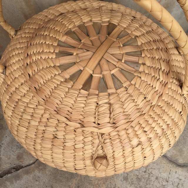 Woven Lidded Basket With Handles - Image 4 of 5
