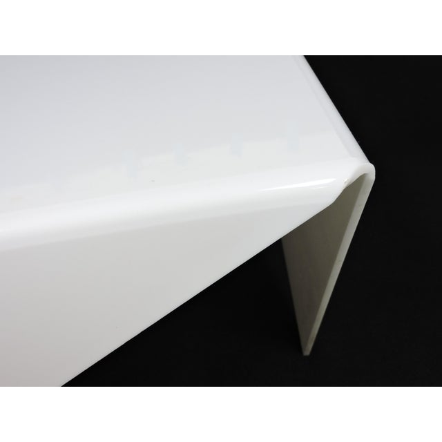 White Mid-Century Modern Bertin France Mouchoir Style White Acrylic Coffee Table For Sale - Image 8 of 10