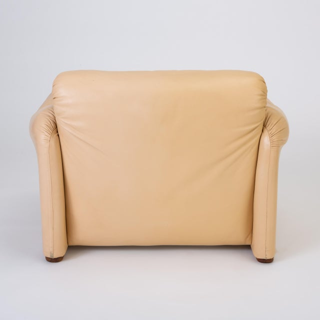 "Tan Leather ""Maralunga"" Chair by Vico Magistretti for Cassina For Sale - Image 8 of 13"