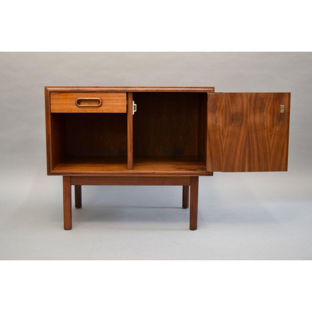Jack Cartwright for Founders Walnut Nightstands - A Pair - Image 7 of 11