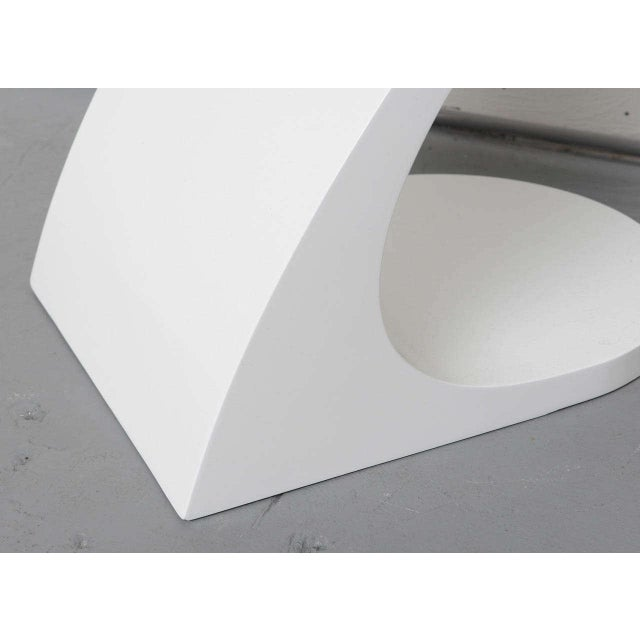 1970s White Lacquer Floor Lamp with Tray 1970s For Sale - Image 5 of 10