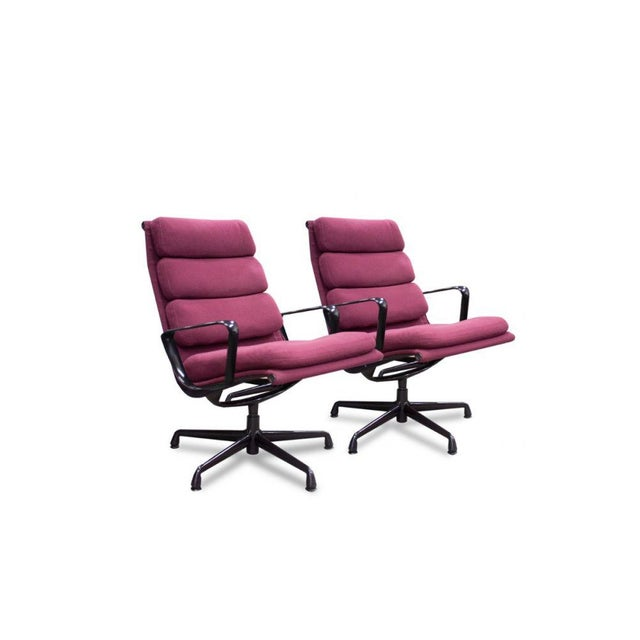 Mid-Century Modern 1980s Herman Miller Eames Aluminum Group Chair - a Pair For Sale - Image 3 of 3