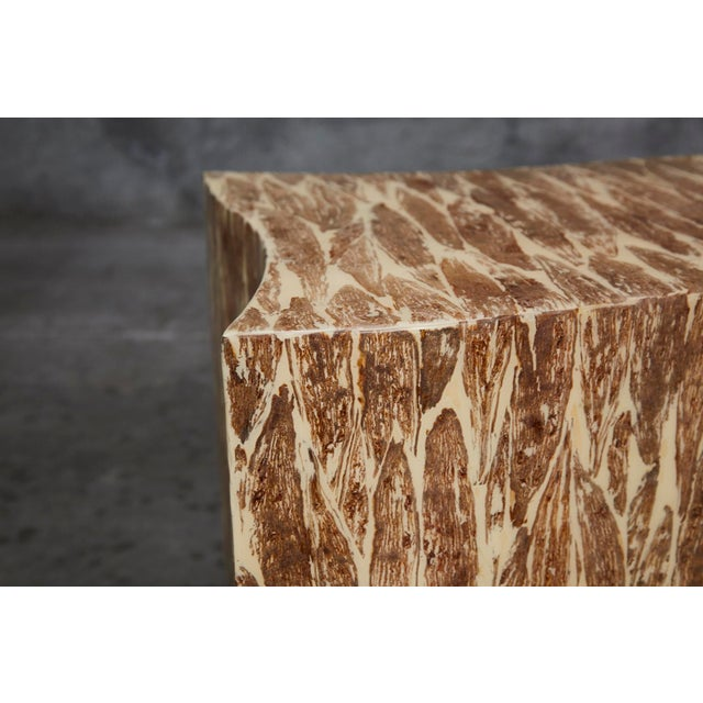 """1990s 1990s Contemporary Freeform """"Wave"""" Side Table With Natural Fiber Inlay For Sale - Image 5 of 11"""