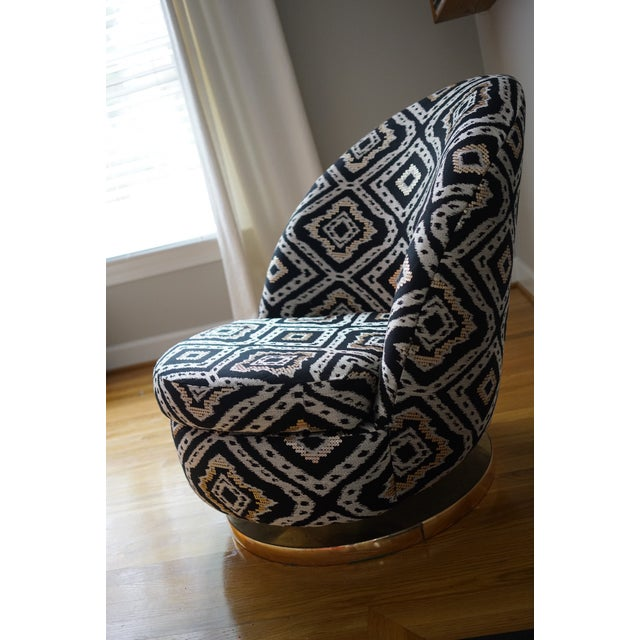 Mid-Century Modern Milo Baughman for Thayer Coggin Gold Base Swivel Chair For Sale - Image 3 of 11