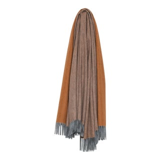 Arran Reversible Cashmere Throw, Light Gray and Rust For Sale
