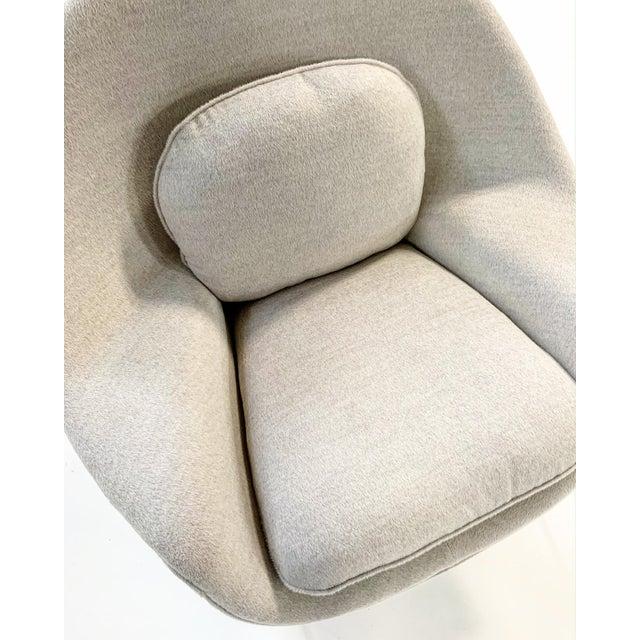 Eero Saarinen Womb Chair in Loro Piana Alpaca Wool For Sale - Image 10 of 13