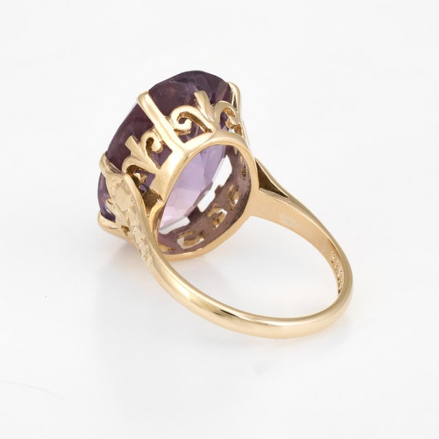 1970s Vintage Amethyst Ring 9 Karat Gold Large Cocktail English Estate Fine Jewelry For Sale - Image 5 of 8