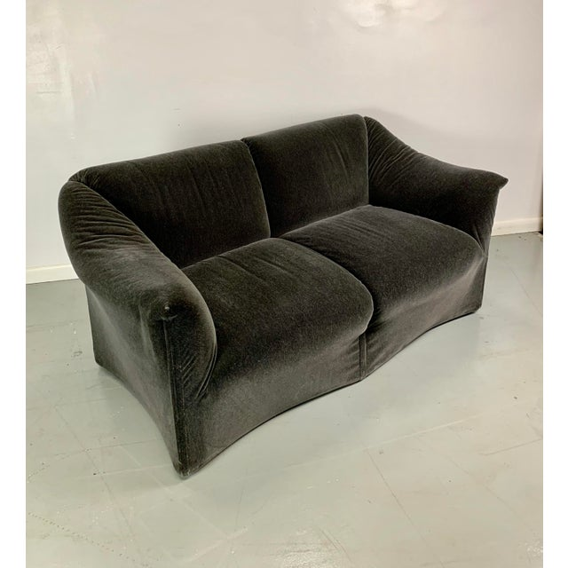 Danish Modern 1990s Vintage Mario Bellini in Charcoal Mohair Cassina Tentazione Loveseat For Sale - Image 3 of 5