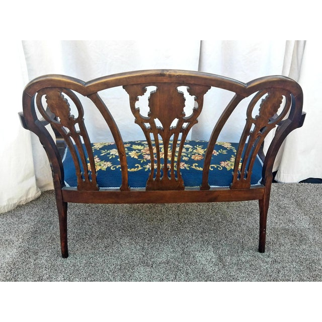 20th Century Chippendale Style Carved Mahogany Double Settee Bench For Sale - Image 4 of 9