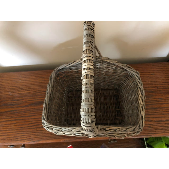 Early 20th Century Antique Wicker Basket With Handle For Sale - Image 5 of 12