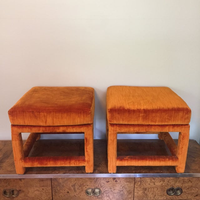 1970s 1970s Orange Velvet Console Table With Parsons Style Ottomans, Set of 3 For Sale - Image 5 of 12