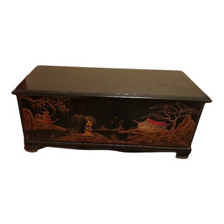 Early 20th Century Asian Lacquered Wood Blanket Chest For Sale