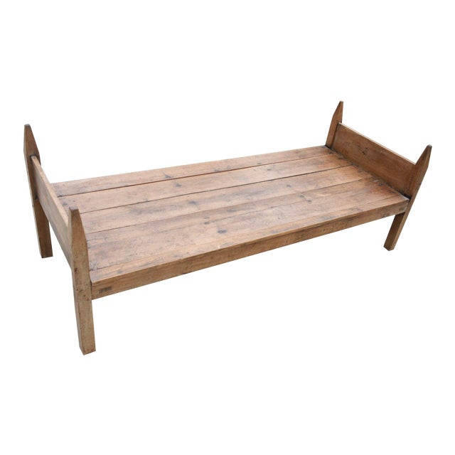 19th Century French Wooden Daybed For Sale