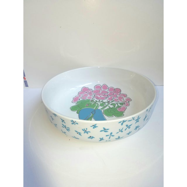 1970s 1970s Pretty Preppy Floral Gloria Vanderbilt Serving Bowl for Sigma Tastesetters For Sale - Image 5 of 5