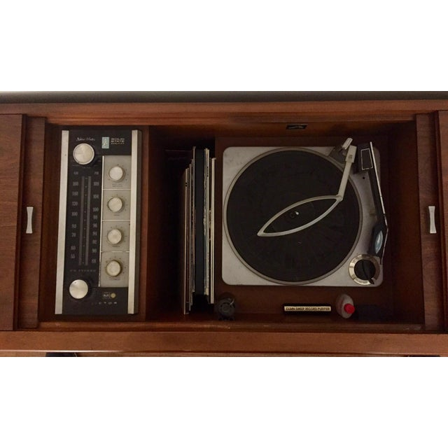 Mid Century Rca Victor Stereo Hi-Fi Cabinet Unit For Sale In Los Angeles - Image 6 of 6