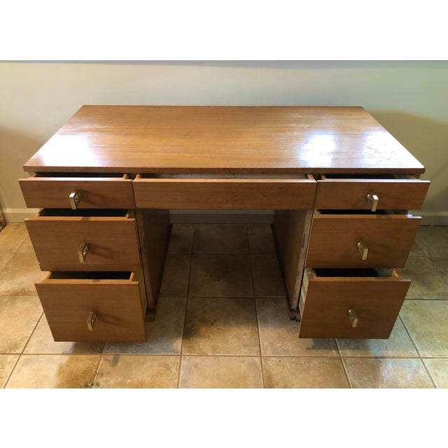 """Mid Century Blonde Wood Double Pedestal Desk 1.75"""" Square Brass Pulls For Sale In New York - Image 6 of 11"""