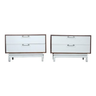 1960s Mid-Century Modern American Martinsville Nightstands - a Pair For Sale