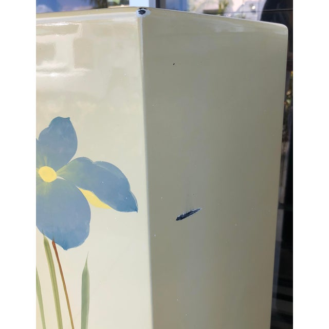 Oriental Hand Painted Pedestals - A Pair For Sale In Miami - Image 6 of 9