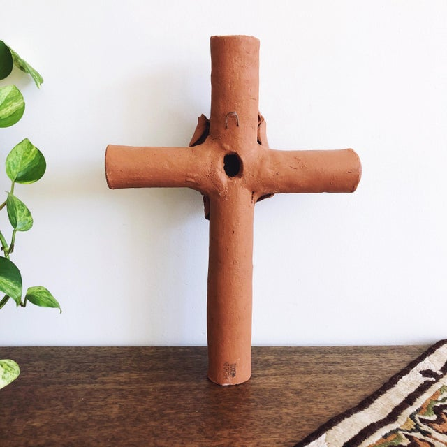 1990s Vintage Mexican Terracotta Cross With Calla Lilies For Sale - Image 5 of 8