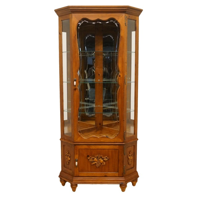 20th Century French Country Pulaski Furniture Display Curio Cabinet For Sale - Image 10 of 10