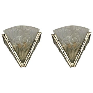"""Degue"" French Art Deco Wall Sconces - a Pair For Sale"