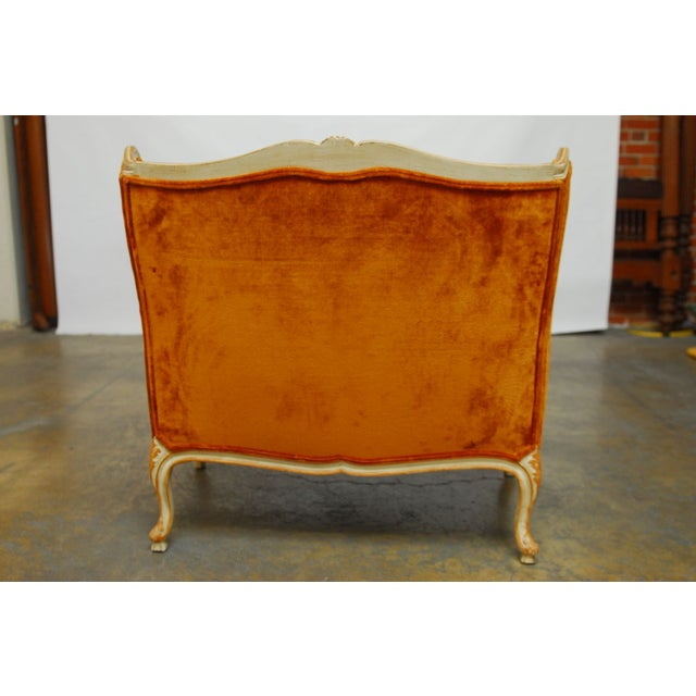 French Louis XV Velvet Wingback Settee For Sale In San Francisco - Image 6 of 7