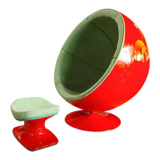 "Mid Century Modern Vintage Fiberglass Orange Eero Arnio Style ""Ball Chair"" & Ottoman For Sale"