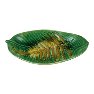19th C. English Josiah Wedgwood Fern on a Leaf Shaped Serving Tray For Sale