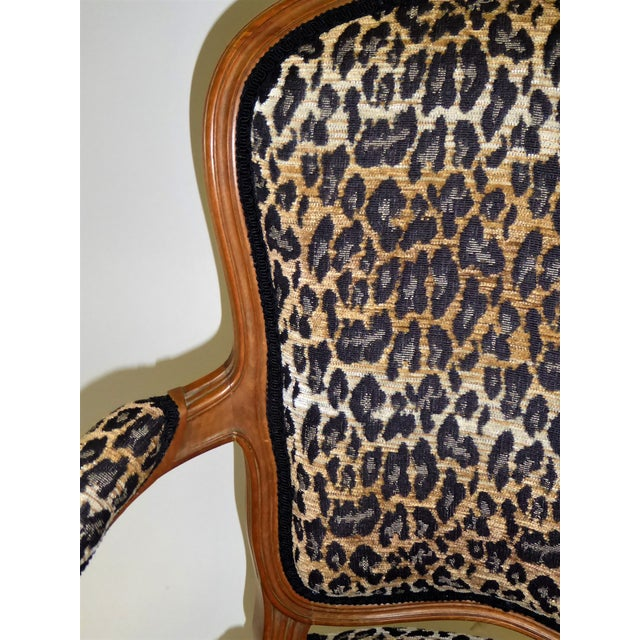 Lovely Pair of Louis XV Style Fauteuils or Chauffeuses by Saridis in Leopard Chenille, 1960s For Sale - Image 10 of 13