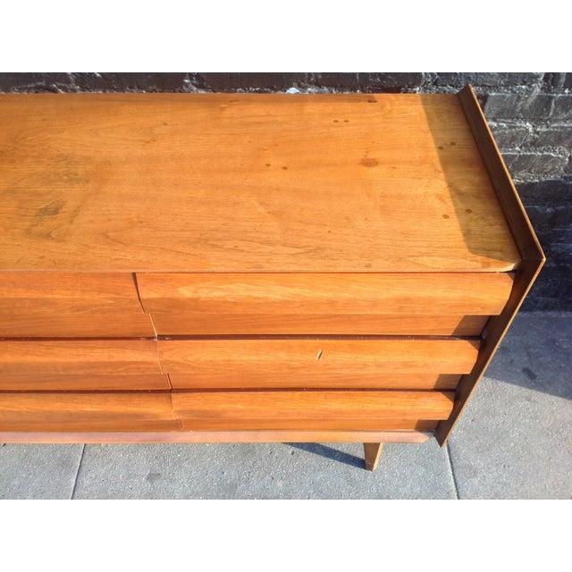 Mid Century Walnut Lane Furniture Dresser - Image 6 of 8