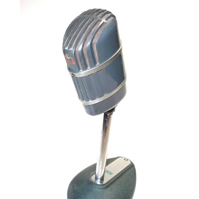 Industrial Altec Model 670-B Ribbon Studio Microphone with Rare Stand Circa 1950s For Sale - Image 3 of 5