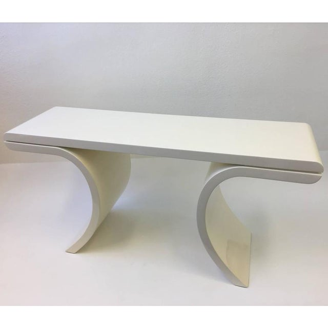 Mid-Century Modern High Gloss Lacquered Console Table in the Manner of Karl Springer For Sale - Image 3 of 8