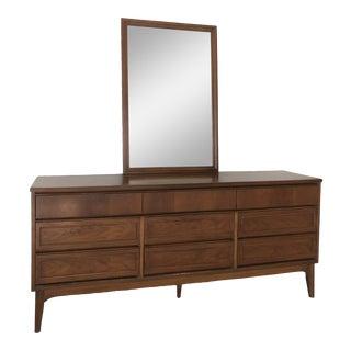 Mid-Century Modern Walnut Bedroom Dresser With Mirror For Sale