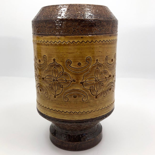 """Aldo Londi for Bitossi Mid-Century """"Spagnolo"""" Brown and Mustard Vase For Sale - Image 10 of 13"""
