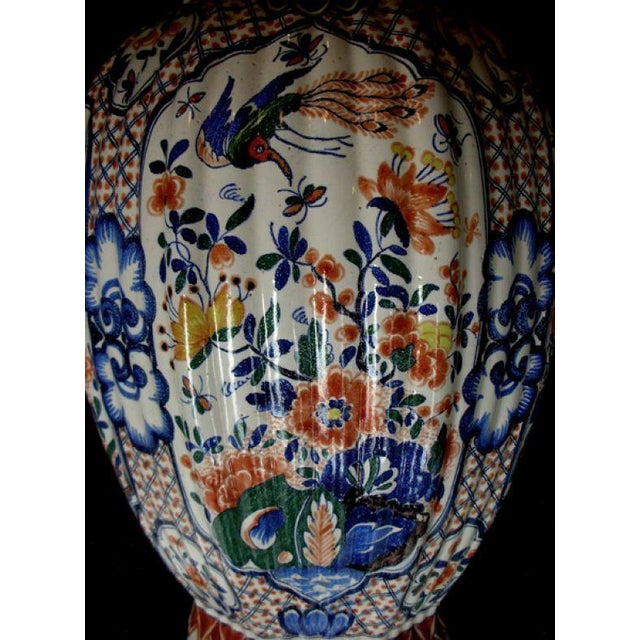A Massive Dutch Polychromed Tinglazed Delftware Lobed Urn With Lid Surmounted by a Regal Lion For Sale - Image 4 of 7