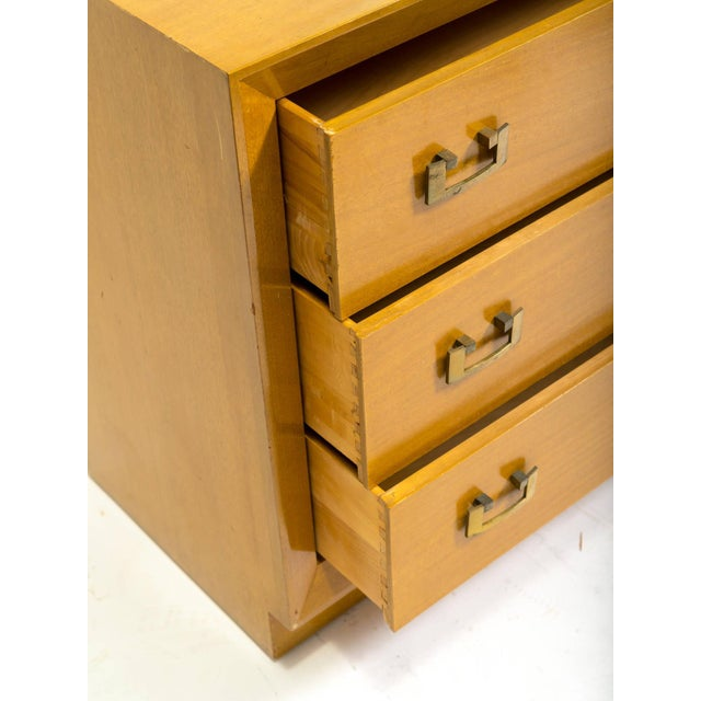 Brown Pair of 1950s John Stuart Bachelor Chests For Sale - Image 8 of 9