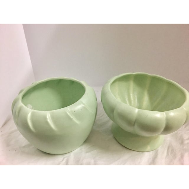 Cottage Vintage Mint Green Wave Pottery Bowls - A Pair For Sale - Image 3 of 8