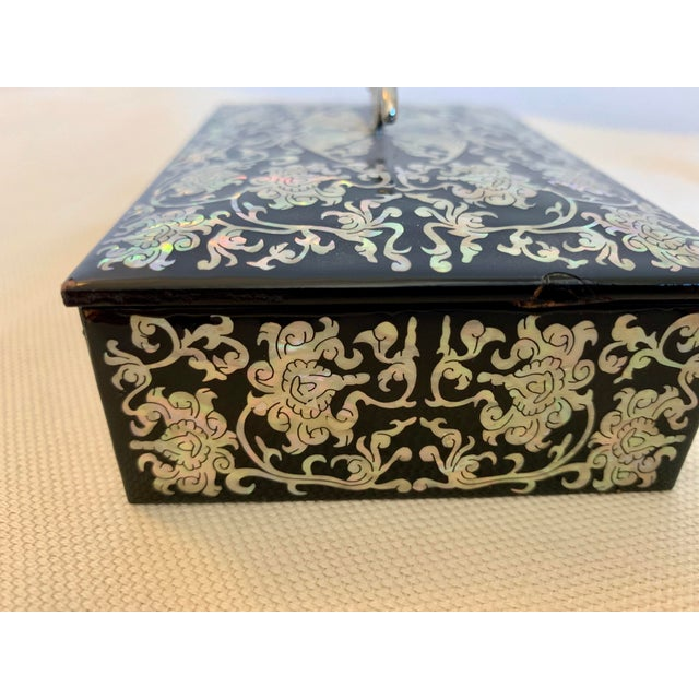Mother of Pearl and Lacquer Inlay Box For Sale In Washington DC - Image 6 of 9