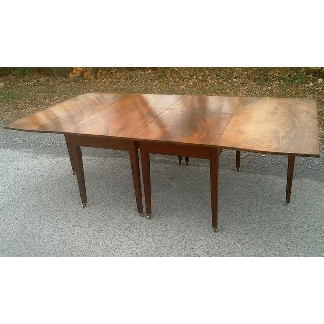 Traditional Federal Mahogany Hepplewhite Banquet Dining Table For Sale - Image 3 of 11