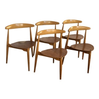 Vintage Mid-Century Wegner Danish Heart Three-Legged Dining Chairs- Set of 5 For Sale