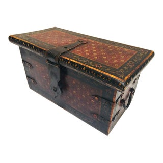 20th Century Traditional Rajasthani Hand-Painted Large Decorative Coffer Trunk For Sale