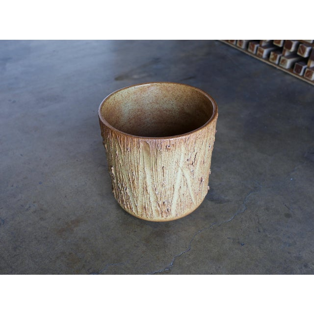 """Architectural Pottery 1970s David Cressey for Architectural Pottery """"Scratch"""" Texture Planter For Sale - Image 4 of 9"""