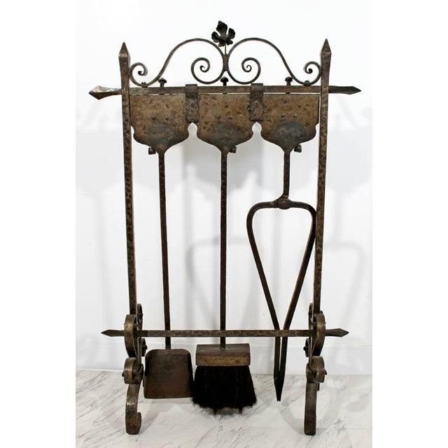 Gold 1940s Vintage French Art Deco Wrought Iron Fireplace Tool Set - 4 Pieces For Sale - Image 8 of 10