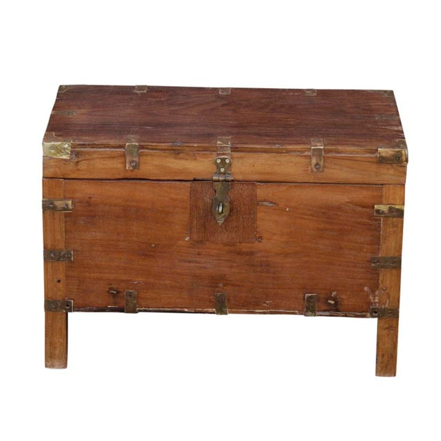 Early 20th Century Wooden Campaign Trunk For Sale In Los Angeles - Image 6 of 6