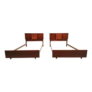 Mid Century Modern Mainline by Hooker Twin Beds - a Pair For Sale