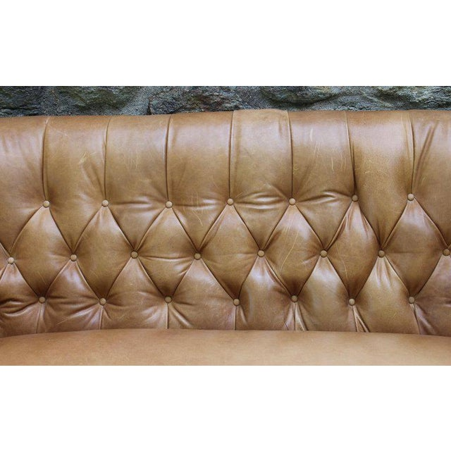 Edwardian Style Buttoned Back Leather Sofa For Sale In Richmond - Image 6 of 8
