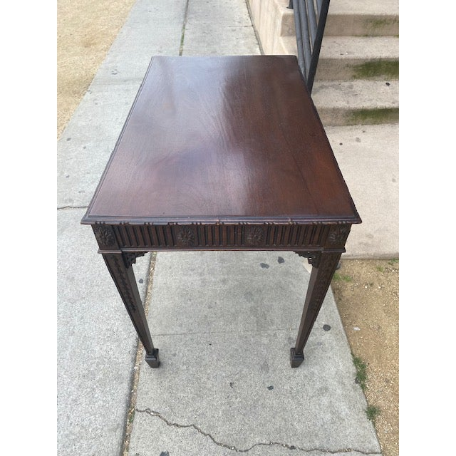 Fine 19th C. English / Irish Mahogony Tea Table For Sale In Los Angeles - Image 6 of 12